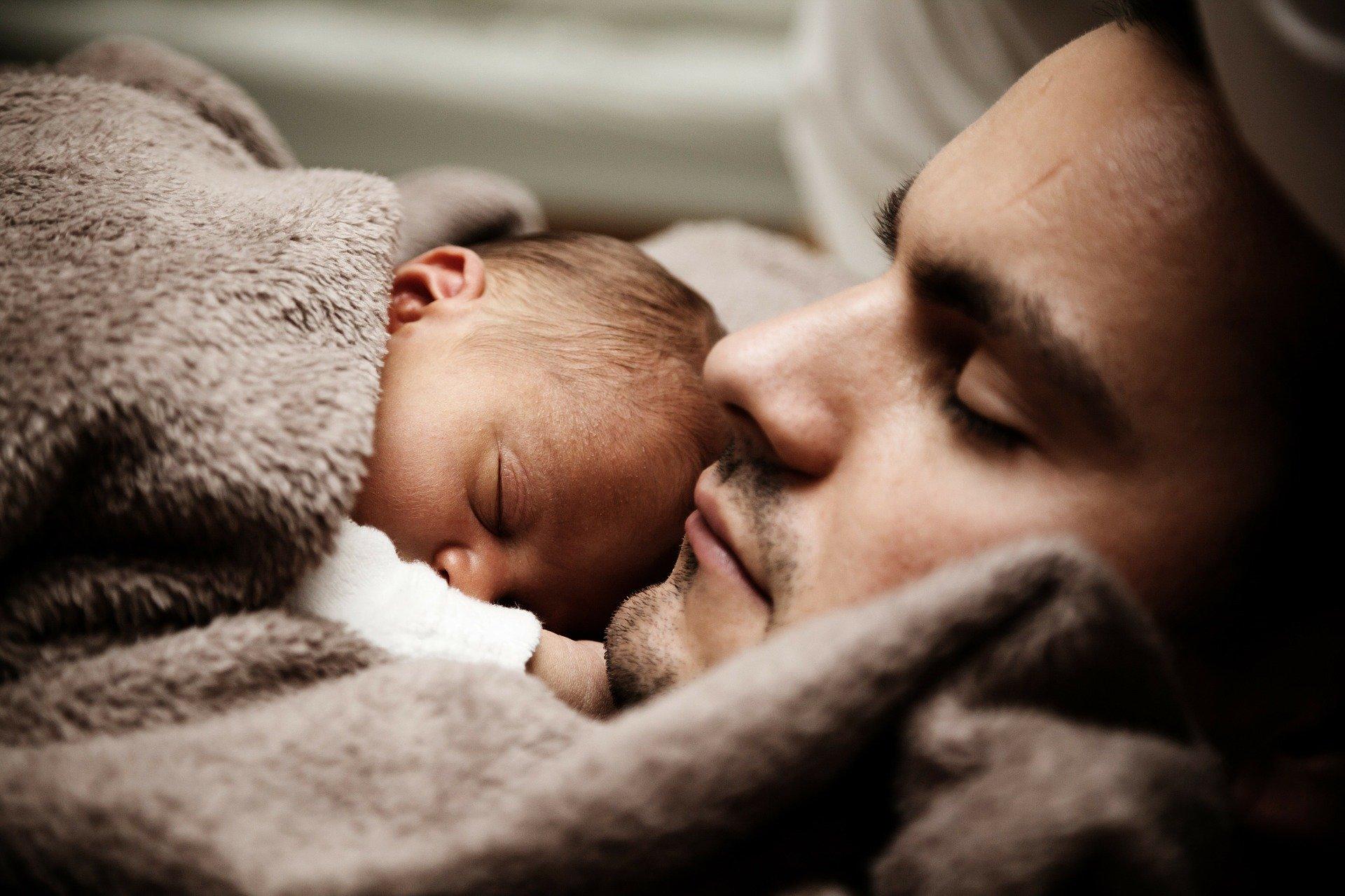 Quelle photo choisir pour un faire-part de naissance ?
